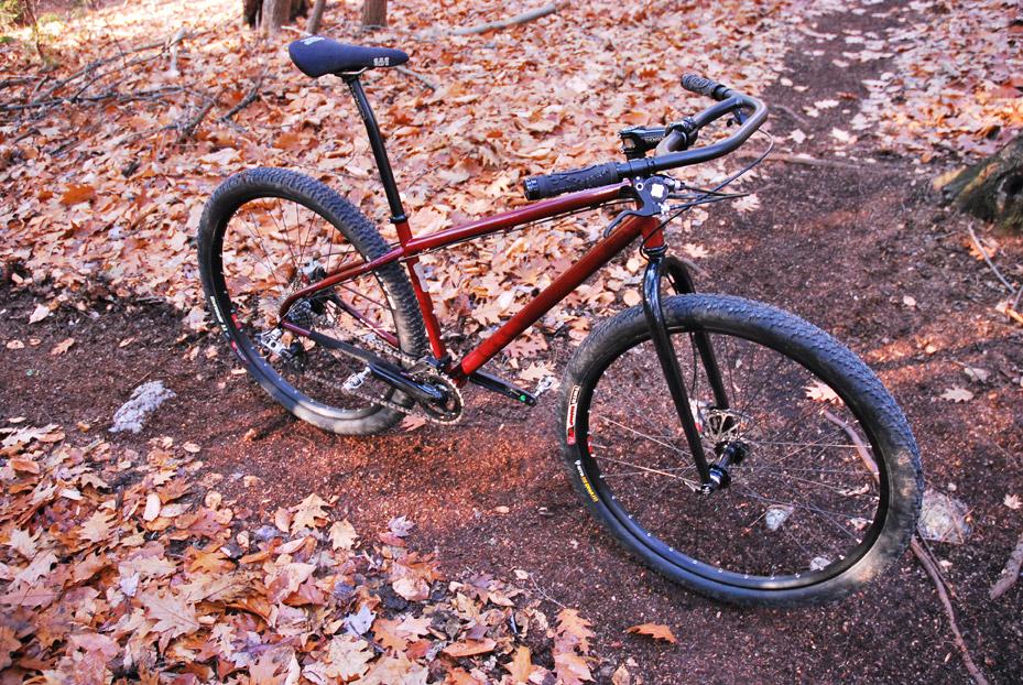 Slopestyle vom Feinsten: 44 Bikes   Stahlrahmen-Bikes