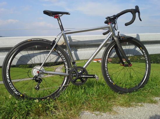 Einhorn_XCr-Edelstahl-Rennrad-1