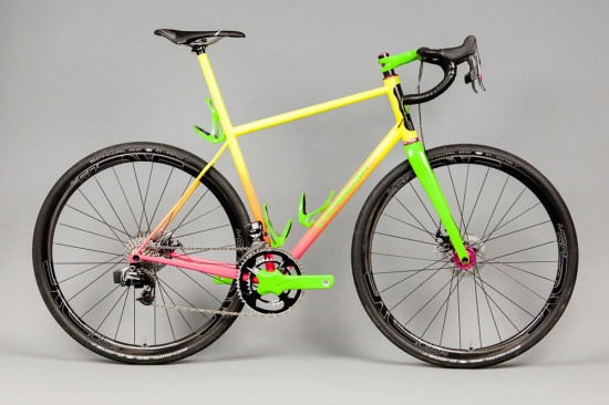 English-Gravelbike-pinkyellowgreen-1