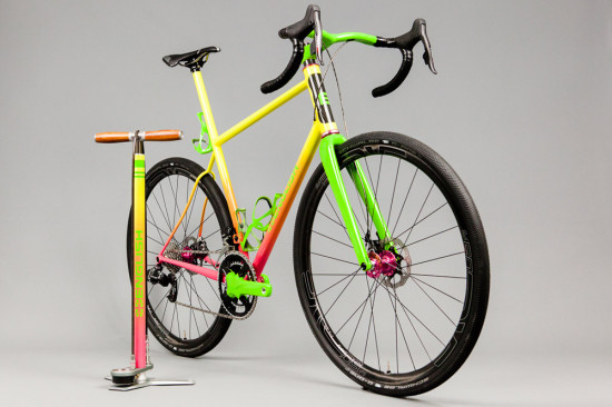 English-Gravelbike-pinkyellowgreen-2