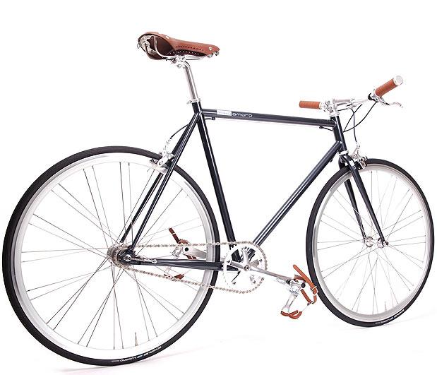 zwei neue im stall von mika amaro stahlrahmen bikes. Black Bedroom Furniture Sets. Home Design Ideas
